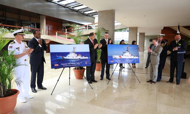 Secretario Brownfield anuncia entrega de embarcaciones